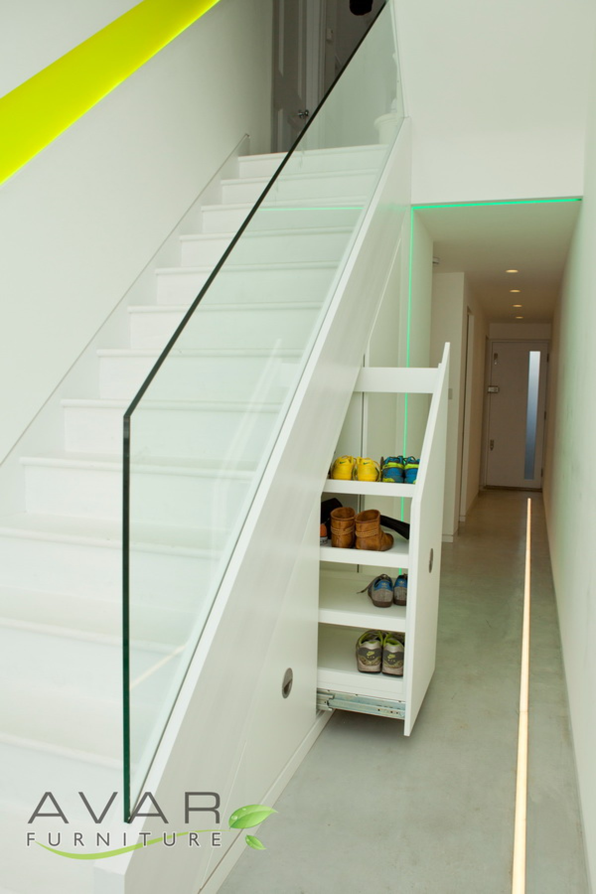 Under stairs storage ideas gallery 6 north london for Smart space solutions