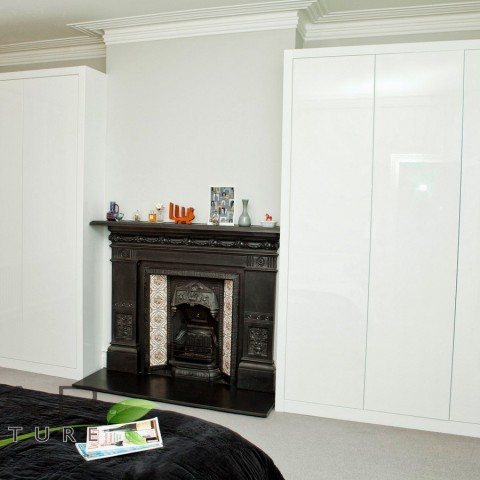 Fitted Wardrobe Design, High Gloss, Doors closed