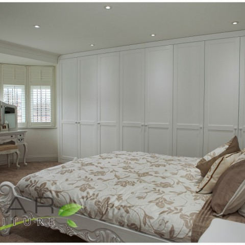 01 built in wardrobes uk, traditional Style