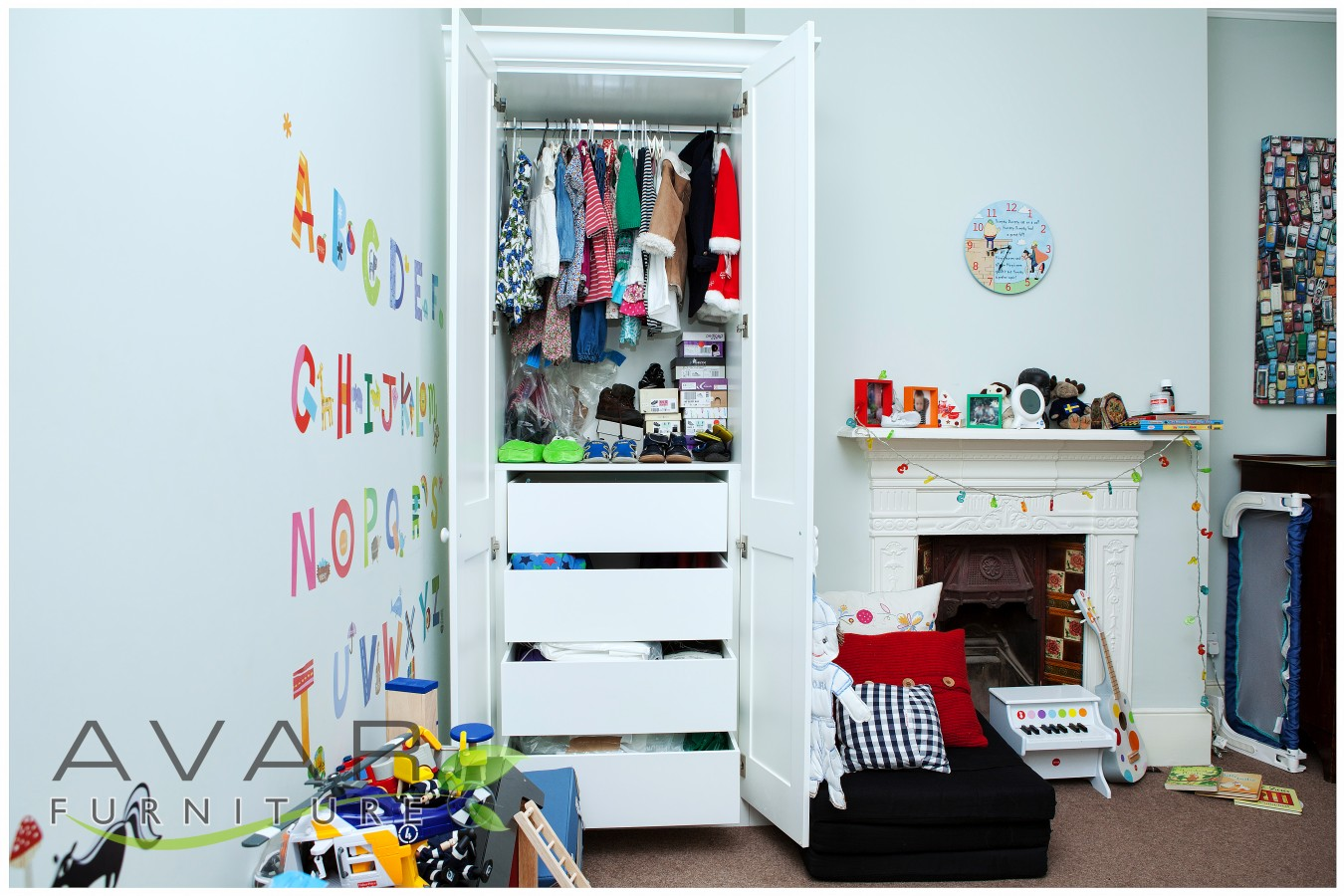 Fitted wardrobe ideas gallery 9 north london uk avar furniture for Bedroom furniture soft close drawers