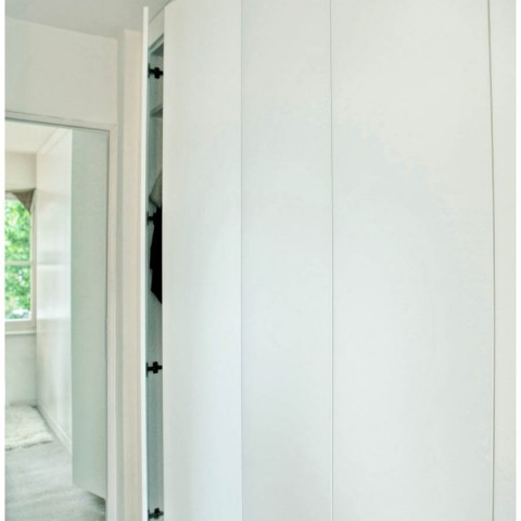 fitted floor to ceiling wardrobe